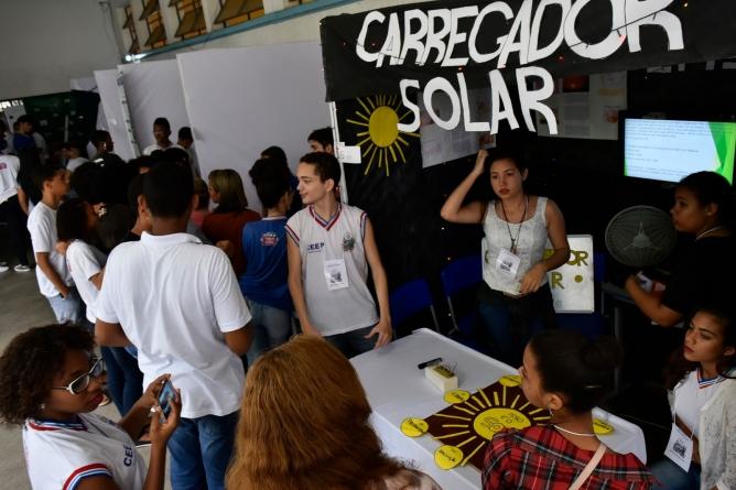 matutar-estudantes-baianos-carregador-energia-solar